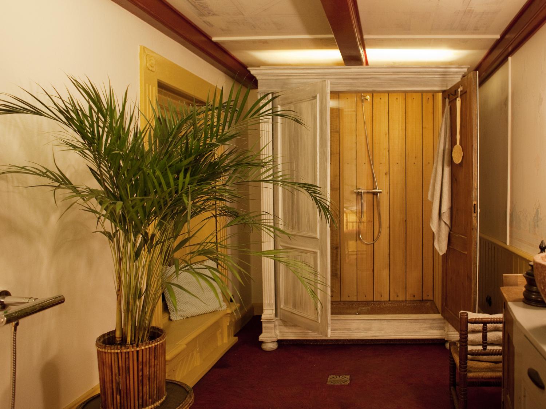 Badkamer aan de Middendijk